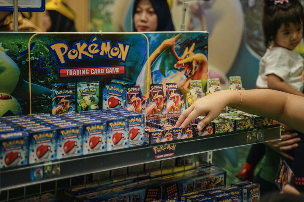 Starter deck dan Booster pack Pokémon versi Bahasa Indonesia